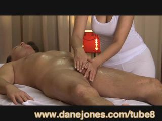 Danejones 美丽 巨乳 masseuse takes 关怀 的 您的 性高潮