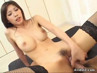 女孩 getting hammered 由 巨人 dicks