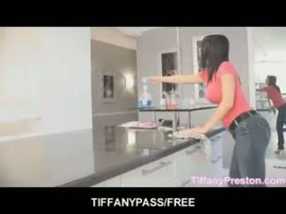 Tiffany preston loves için almak ağız tam arasında emzikli