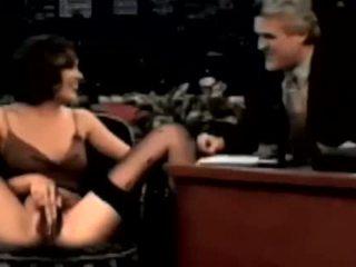 Alyssa milano การปัสสาวะ บน jay leno talkshow