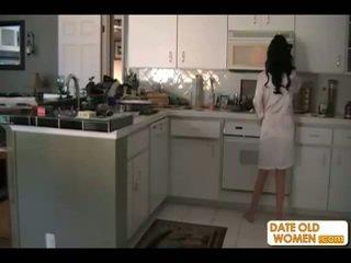 黑髮, 媽媽, 廚房