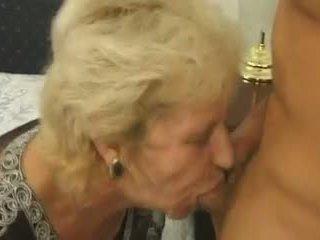 7 isoäidit puolue