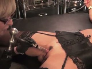Nina hartley toying और dominating उसकी मिल्फ slut-25734 mp4574