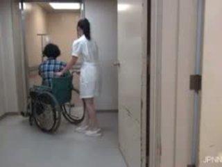 Viņi are uz the slimnīca un šī skaistule part1