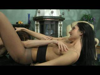 Cora agatha lezzy hose การกระทำ