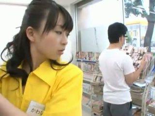 Číňan miss has shaged obrovský v ji trimmed cave