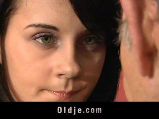 Leila praksa spolne exercises s old man