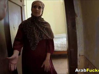 Szegény arab lány desperate mert készpénz sucks és fucks