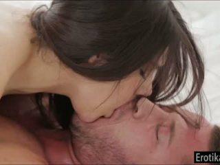 Busty valentina nappi enjoys wakeup pohlaví