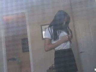 Pervert guy spied في حار فتاة في ال حافلة