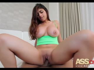Groß titty arab mia khalifa