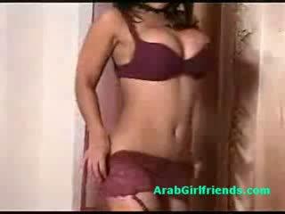 厚, 女朋友, 阿拉伯