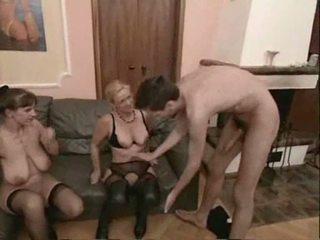 Amatööri läkkäämpi swingers kolmikko seksi video-