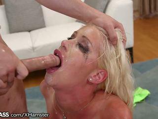 Riley jenner sloppily deepthroats a teases: zadarmo porno bf