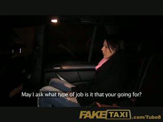 Faketaxi мила молодий дівчина повинен платити її спосіб