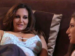 Abella danger و ava addams في mommy's فتاة