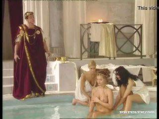 Hitam widow katalin dan rita faltoyano bathe bersama-sama sebelum yang air mani pada muka /facial
