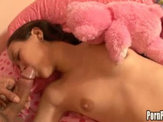 Asin pleasantheart amai liu acquires sie gesicht hole attacked von ein schwanz während schlafen
