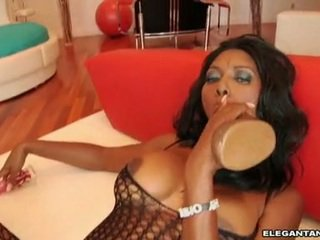 Nyomi banxxx feels la masivo juguete 10 pounder dipping real duro en su meatcave