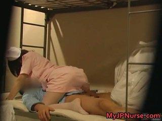 辣 日本語 護士 是 向上 為 一些 性感