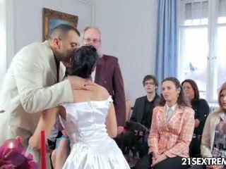Scandalous huwelijk