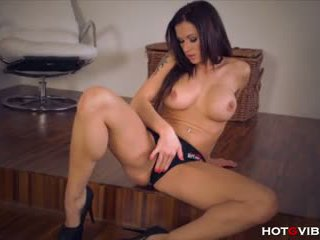 Stacy Silver - Incredibly Intense MILFgasm