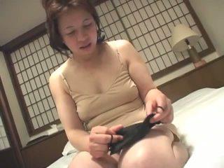 брюнетка, японски, мастурбиране