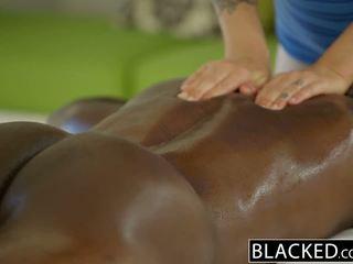 Blacked جميل شقراء karla kush loves massaging bbc