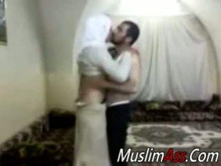 Hijab virgin seks kamera