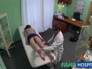 Krásne amatérske pacient fucked s fraud doktor