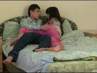 十代のセックス, アマチュアティーンポルノ, ティーンプッシーを掘削