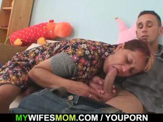 Manželka catches ho zkurvenej ji starý maminka