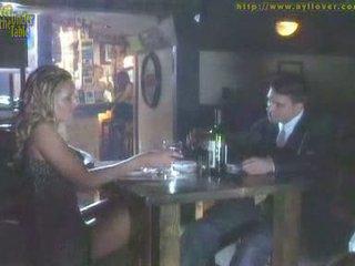Nohapráci pod the stůl