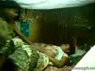 Desi ญาติ sister นั่ง บน พี่ชาย ที่ บ้าน alone - indiansexygfs.com