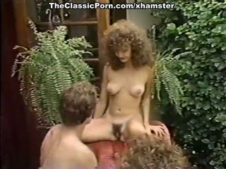 Порно трійця кіно в the сад