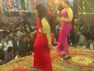 งานเลี้ยง, ชาวอาหรับ, การเต้นรำ