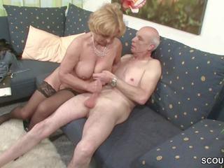 Oma und opa ficken das erste mal im pornó fuer meghal rente
