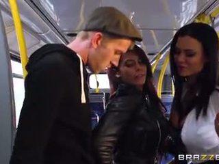 รถบัส การกระแทก สำหรับ เซ็กซี่ สาว madison ivy และ ja