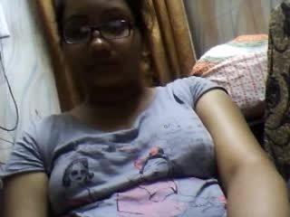 Bangla desi dhaka meitene sumia par vebkāmera