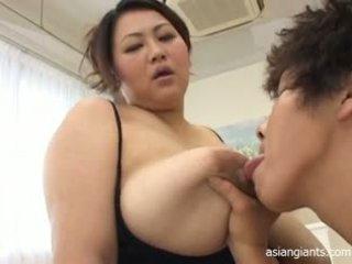 Aasia ilusad suured naised koos suur tiss