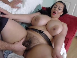 Haarig vollbusig britisch milf takes groß weiß schwanz: kostenlos porno fa
