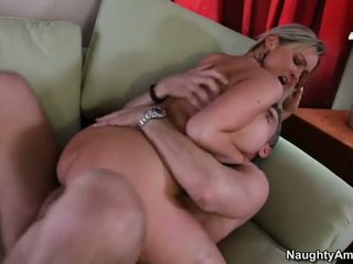 Bigtitted buur, abbey brooks