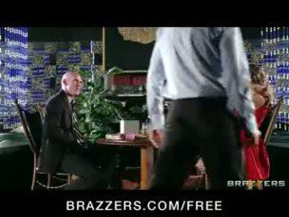 Yurizan beltran turns yang romantic tarikh ke dalam yang tegar fuck fest