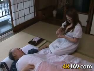 japonec, velká prsa, old + young