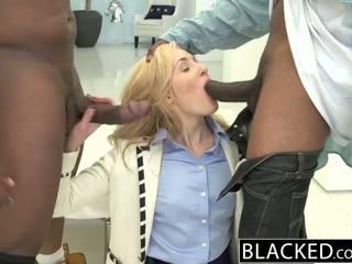 Blacked 2 голям черни dicks за богат бял момиче