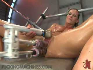 Секси nymph works нагоре а sensuous sweat като тя has направен любов от а shagging device