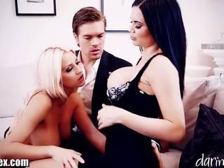 Daringsex cumswapping שתי נשים וגבר שלישיה