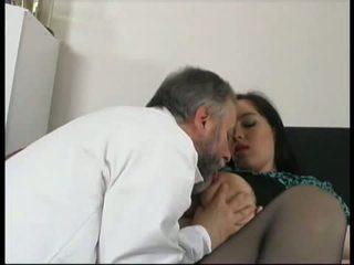 Gynecologist 他妈的 lustful 孕 病人