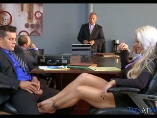 Bira spor ayakkabıları içinde the toplantı oda, ücretsiz kaza porn 68