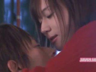 Roztomilý horký asijské dívka having pohlaví